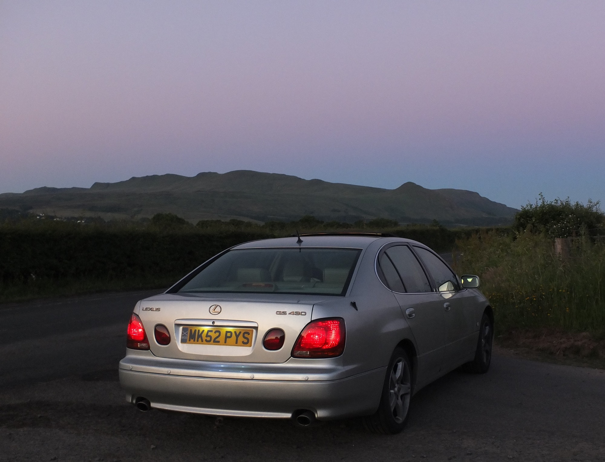 Lexus GS430, Campsie Fells, sunset